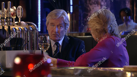 Coronation Street - Ep 7970 Friday 5 October 2012 at 7.30pm Wendy Crozier [ROBERTA KERR] gives Ken Barlow [WILLIAM ROACHE] a present that she bought for him years ago.