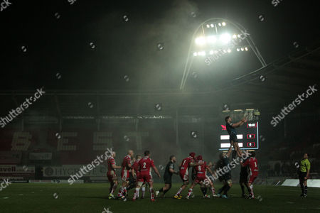 Richard Kelly of Scarlets wins the line out