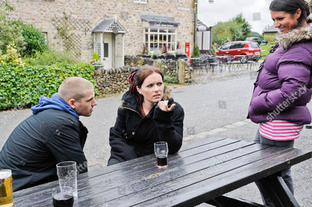 Emmerdale - Ep 6392 Thursday 8 November 2012 at 8pm Kerry Wyatt's [LAURA NORTON] cogs turn as Amy Wyatt [CHELSEA HALFPENNY] and Alex Moss [KURTIS STACEY] head for a drink and Amy starts to warm to him.