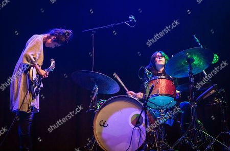 Warpaint - Jenny Lee Lindberg and Stella Mozgawa