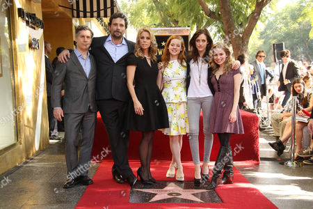 Chris Parnell, Jeremy Sisto, Cheryl Hines, Jane Levy, Carly Chaikin and Allie Grant