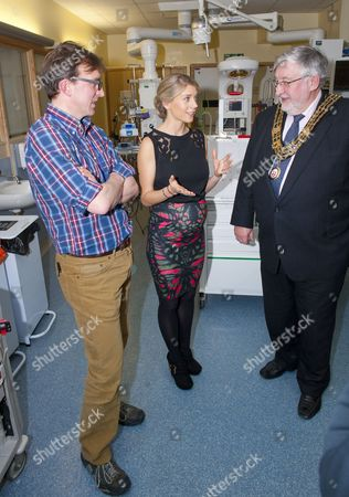 Melanie Slade touring the Children's Intensive Care Unit, with Dr Iain Macintosh and Mayor of Southampton, Cllr Ivan White
