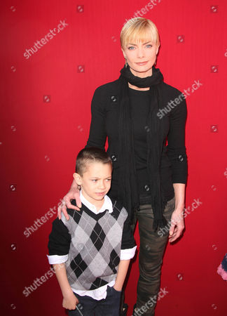 Stock Picture of Jaime Pressly and son Dezi James Calvo