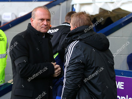 West Bromwich Albion head coach Pepe Mel wears a black armband in memory of former Spain manager Luis Aragones who passed away this week