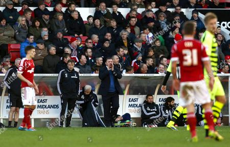Nottingham Forest manager Billy Davies shouts instructions