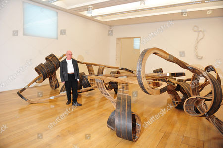 Richard Deacon with 'Out of Order' 2003