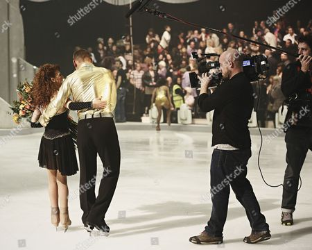 Behind the scenes : Bonnie Langford and skate partner Andrei Lipanov leaves Dancing on Ice