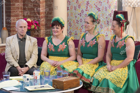 Stock Image of Wayne Sleep with Dancers : Christine Longster, Claire O'Connor and Donna Hargreaves