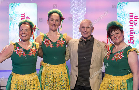 Wayne Sleep with Dancers : Christine Longster, Claire O'Connor and Donna Hargreaves
