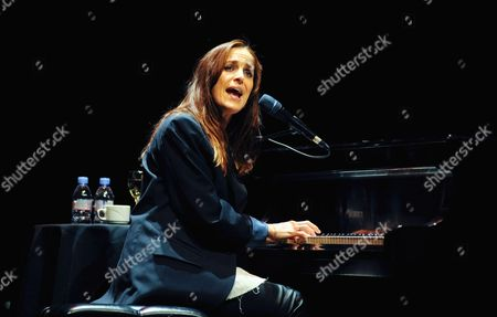 Chantal Kreviazuk
