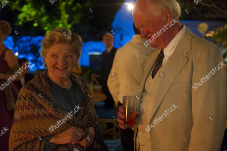 Julia McKenzie as Miss Marple and Oliver Ford Davies as Major Palgrave.