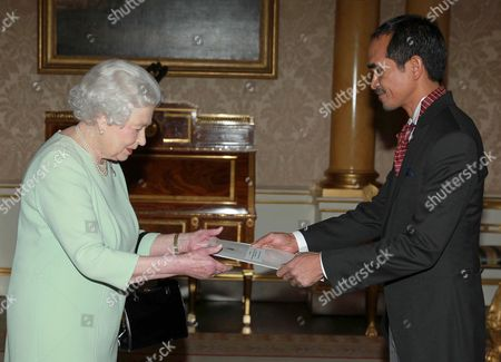 Editorial picture of Credentials presented at Buckingham Palace, London, Britain - 14 Feb 2014