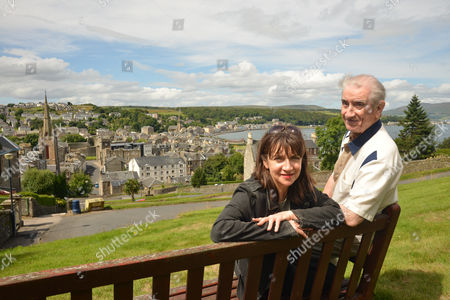 Maureen Beattie with her father Johnny Beattie