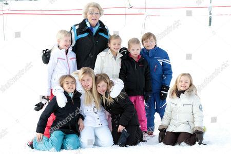Princess Beatrix, Countess Luana, Countess Zaria, Princess Alexia, Crown Princess Catharina-Amalia, Princess Ariane, Count Claus-Casimir, Princess Laurentien, Countess Leonore and Countess Eloise