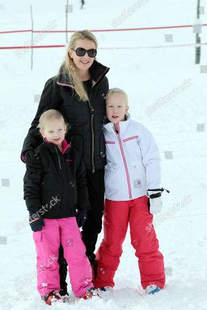 Princess Mabel, daughters Countess Luana and Countess Zaria