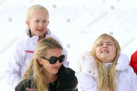 Princess Mabel and daughter Countess Luana with Crown Princess Catharina-Amalia