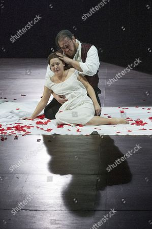 Stock Photo of 'Rigoletto' - Quinn Kelsy as Rigoletto and Anna Christy as Gilda