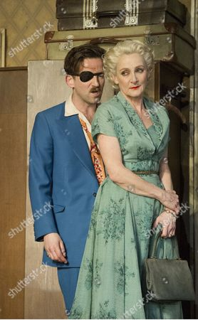 Stock Photo of Dean Lennox Kelly as Peter, Lesley Sharp as Helen,