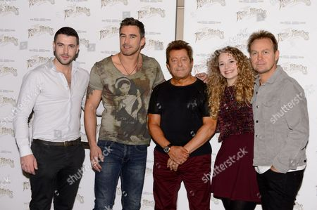 Jeff Wayne Shayne Ward, Jason Donovan, Brian McFadden, Carrie Hope Fletcher and Joseph Whelan