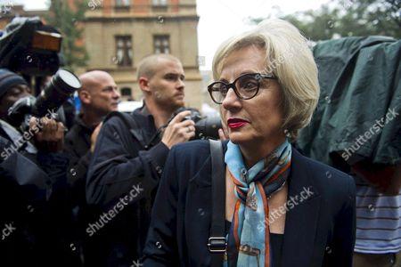 Lois Pistorius outside the Pretoria High Court