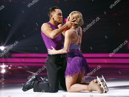 Ray Quinn and Maria Filippov skating the Bolero