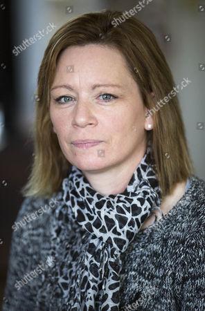 Julie Roberts, mother of Sean Roberts