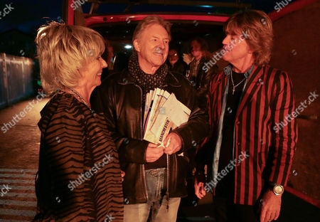 Ep 8318 - Friday 7 February 2014 - 2nd Ep Dennis Tanner, as played by Philip Lowrie, is seething when Ritchie, as played by Robert Askwith, invites Gloria Price, as played by Sue Johnston, for a night on the town.