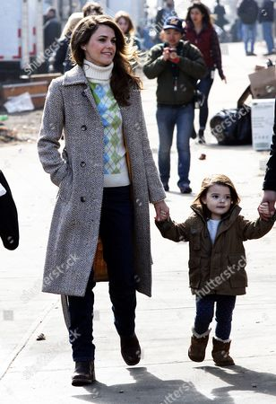 Keri Russell and her daughter Willa Lou Deary during a break from filming 'The Americans'