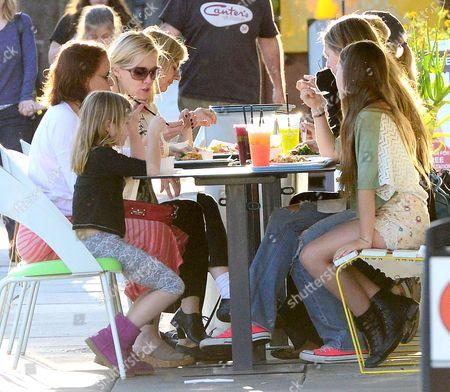 Jennie Garth and daughters, Luca Bella Facinelli, Fiona Eve Facinelli and Lola Ray Facinelli