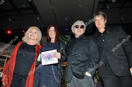 Deborah Harry, Kathy Valentine, Chris Stein and Clem Burke after Kathy Valentine receives the Hall Of Fame award
