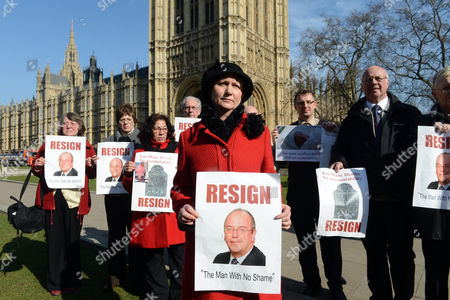 Julie Bailey (red Coat Foreground) Of Cure The Nhs With Fellow Protestors Campaigning For The Resignation Of Sir David Nicholson Ceo Of The English Nhs On Abingdon Green London.