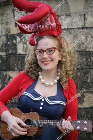 Stock Photo of Sarah McIntyre 'Oliver and The Seawigs'