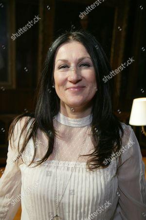 Stock Picture of Jennifer Ballantine Perera