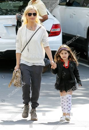 Stock Picture of Sarah Michelle Gellar with daughter Charlotte Grace Prinze