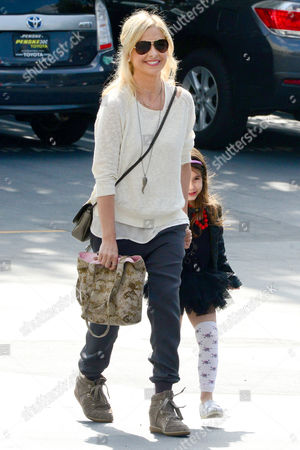 Stock Picture of Sarah Michelle Gellar and Charlotte Grace Prinze