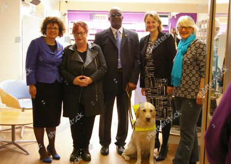 Cllr Sally Prentice, Jo Brand, Patrick Roberts, Leader of Lambeth Council Cllr Lib Peck and Bridged Hall