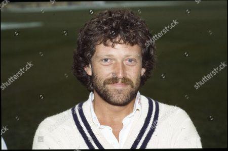 Richard Ellison, Cricket - Kent.