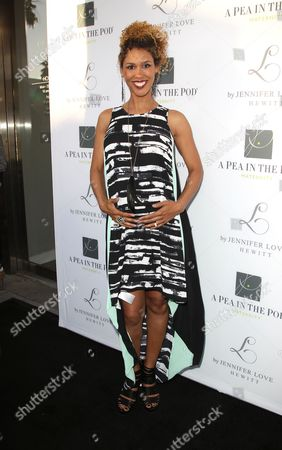 Editorial image of A Pea in the Pod Celebrate the Launch Of 'L By Jennifer Love Hewitt', Los Angeles, America - 01 Apr 2014