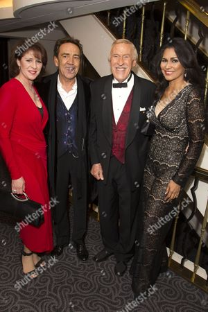 Rosemarie Ford, Robert Lindsay (Lawrence Jameson), Bruce Forsyth and Wilnelia Merced