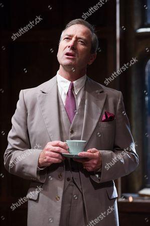 Julian Wadham (Vaughan Cunningham)