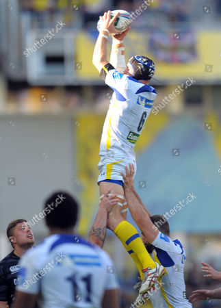 Clermont's Julien Bonnaire wins lineout ball - Rugby Union - ASM Clermont Auvergne v Leicester Tigers - ERC Hein Cup Quarter final - 05/04/14 - at Stade Marcel-Michelin Clermont-Ferrand, France Photo Credit - Tom Dwyer/Seconds Left Images - All rights reserved