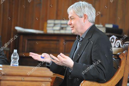 Award Winning Author Jonathan Coe