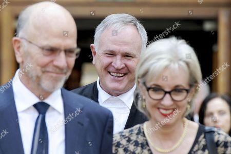 Arnold Pistorius and Lois Pistorius with advocate Barry Roux