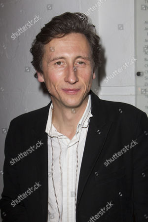 Nicholas Rowe (Mr Stevens)