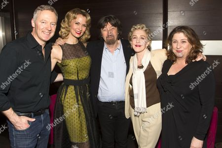 Stock Photo of Rory Bremner (Crestwell), Leigh Zimmerman (Miranda Frayle), Sir Trevor Nunn (Director), Patricia Hodge (Felicity) and Caroline Quentin (Moxie)