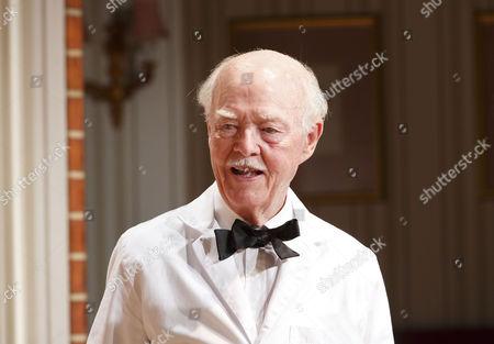 Ray Cooney (Waiter)