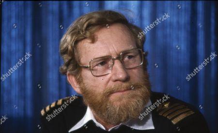 Capt Robin Green, Capt. of Sir Tristram- re: Falkland Conflict.