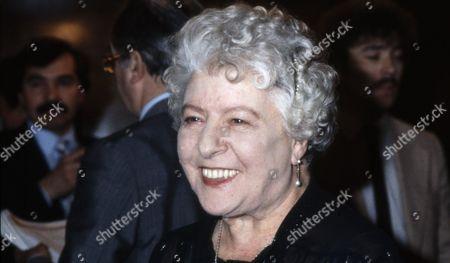 Irene Handl, Actress.