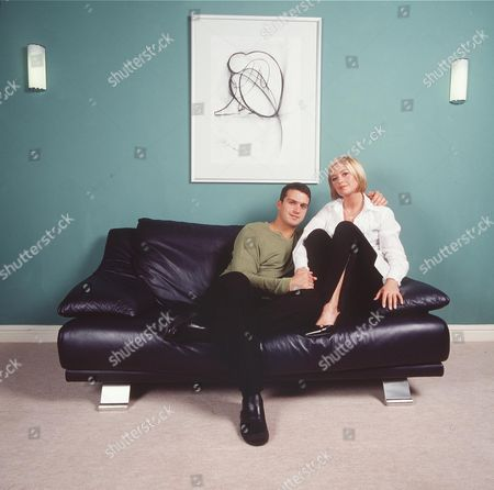 ALEXANDRA FLETCHER WITH HER BOYFRIEND NEIL DAVIES ACTORS FROM BROOKSIDE, THEY PLAYED ON SCREEN BOYFRIEND AND GIRLFRIEND IN THE TV SERIES, BUT THEY ARE ALSO A REAL LIFE COUPLE,