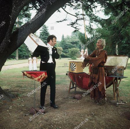 Stock Photo of 'Catweazle'  TV - 1971 - The Heavenly Twins - Geoffrey Bayldon as Catweazle and Paul Eddington as Vadanti